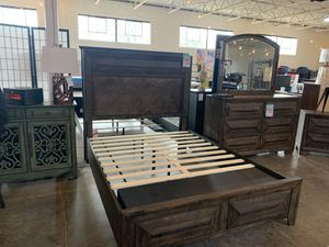 Queen platform storage bed frame for Sale in Dallas, TX