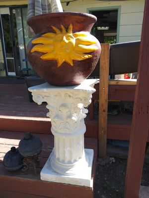 Pot on pillar for Sale in Lone Tree, CO