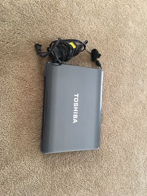 Satellite A305-S6857 Model #PSAG0U-0270 with Window 7 installed Missing battery, It still working good. Can use it or parts including the power cord for Sale in Jurupa Valley, CA