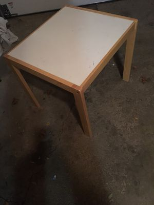 End table for Sale in St. Charles, IL