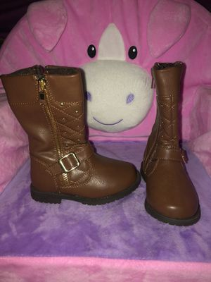 Brown little girls boots for Sale in North Las Vegas, NV