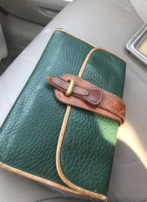 Vintage Dooney and bourke wallet for Sale in Wallingford, CT
