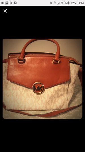 MICHAEL KORS bag for Sale in Manchester, MO
