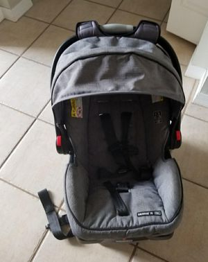 GRACO CLICK CONNECT CAR SEAT for Sale in Miramar, FL