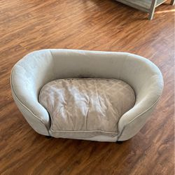 Pet Couch for Sale in Glendale,  CA