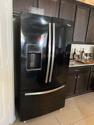 Whirlpool fridge, dishwasher, microwave, and stove for Sale in Brandon, FL