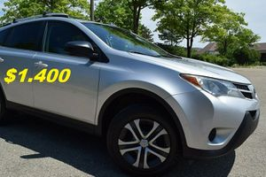 Price$14OO I am selling it for my aunt 2O13 Toyota RAV4 for Sale in Houston, TX