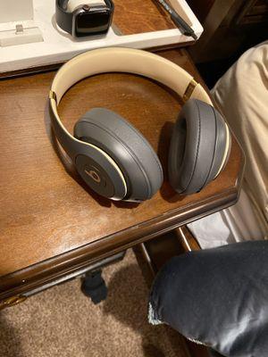 Beats studio 3 wireless head phones for Sale in New Orleans, LA