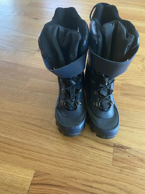 Kids snow boot Size 5 for Sale in San Diego, CA