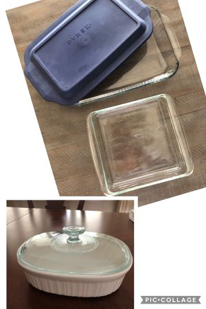 Pyrex glass & Corningware stoneware serving baking dishes 3 piece for Sale in Coral Springs, FL