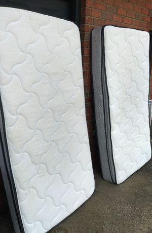 2 twin sz pillow top mattresses for Sale in Nashville, TN