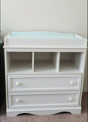 Changing table with drawers, White & changing pad w/ cover for Sale in Windermere, FL