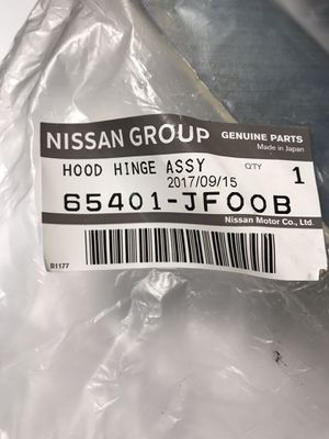 Infiniti Q50 hood hinges parts for Sale in River Grove, IL