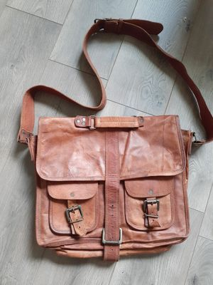 Genuine leather briefcase/satchel bag for Sale in St. Petersburg, FL