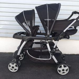 Graco double stroller for Sale in MONTGOMRY VLG, MD