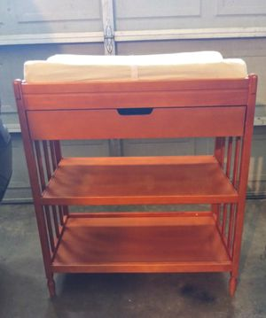 Carters Changing Table Color Honey(Pick up MADERA) for Sale in Madera, CA