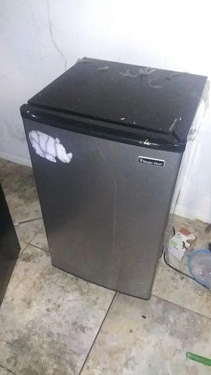 Mini fridge works great for Sale in Los Angeles, CA