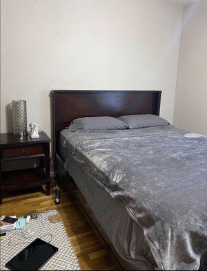 Queen bed set nightstand for Sale in Fairfax, VA