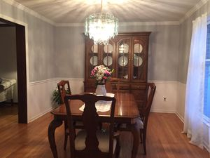 Maple wood china cabinet, with glass shelves, and matching buffet for Sale in Delaware Bay, US