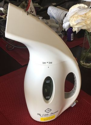 Joy Mangano 900 watt steamer (Like new) for Sale in Arlington, VA