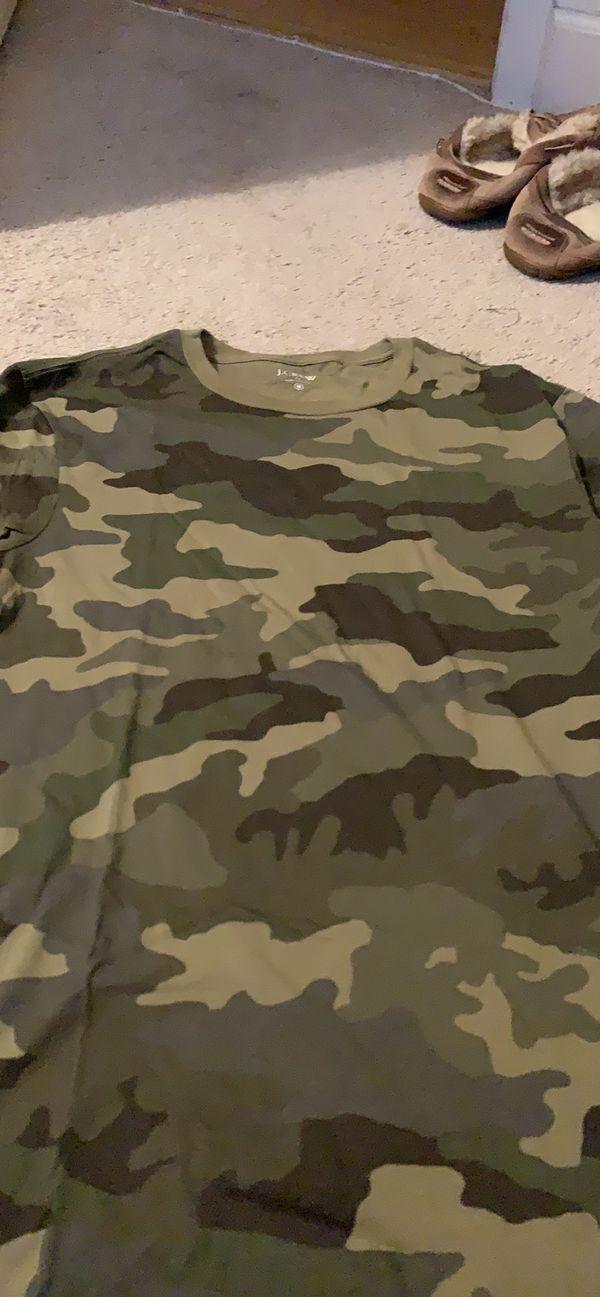J. Crew Men's Camo Print T-Shirt - Medium