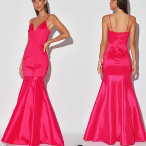 Lulu's bright pink maxi dress for Sale in MONTGOMRY VLG, MD