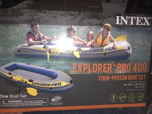 4 person inflatable boat set for Sale in Pickerington, OH