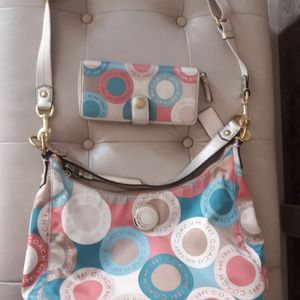 PURSE AND WALLET COACH for Sale in North Las Vegas, NV
