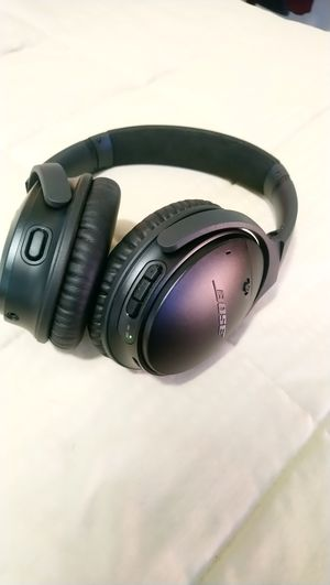 Bose QuietComfort 35 Noise Cancelling Wireless Headphones Series II for Sale in Los Angeles, CA