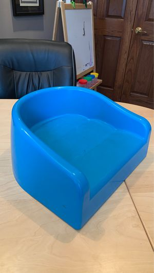 Booster Seat for Sale in Strongsville, OH