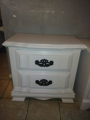 Shabby Chic solid wood night stand end table $40 @ 75th ave & Peoria for Sale in Peoria, AZ