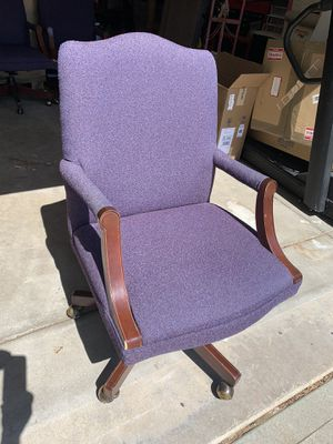 Beautiful Lavender Heavy Duty Rolling Office Chair for Sale in Aurora, CO