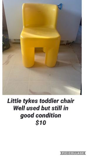 Little tikes chair toddler size for Sale in Vermontville, MI