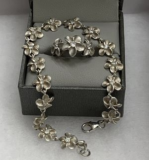 "Champagne Sterling Silver (925) White Sapphire Flower Bracelet & Ring, Size 4""-5"" OBO for Sale in Redlands, CA"