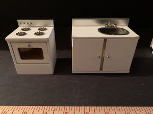 c.1955 Doll House Sink & Stove Kitchen Appliance Lot for Sale in Middletown, CT