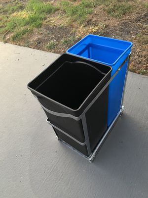 Simple Human Trash can and recycling for Sale in San Leandro, CA
