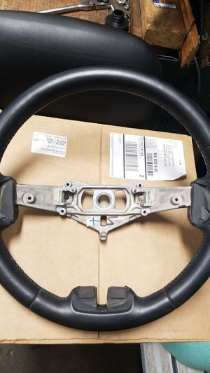 Jeep grand Cherokee steering wheele fits 2012 through 2018 for Sale in Boston, MA