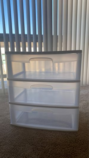 3 drawer plastic storage bin for Sale in Daly City, CA