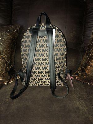 💯 auctentic Michael kors Backpack original for Sale in Ashburn, VA