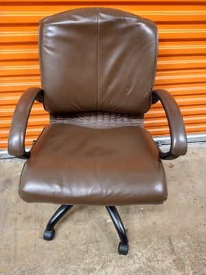 Office chair for Sale in Miami Gardens, FL