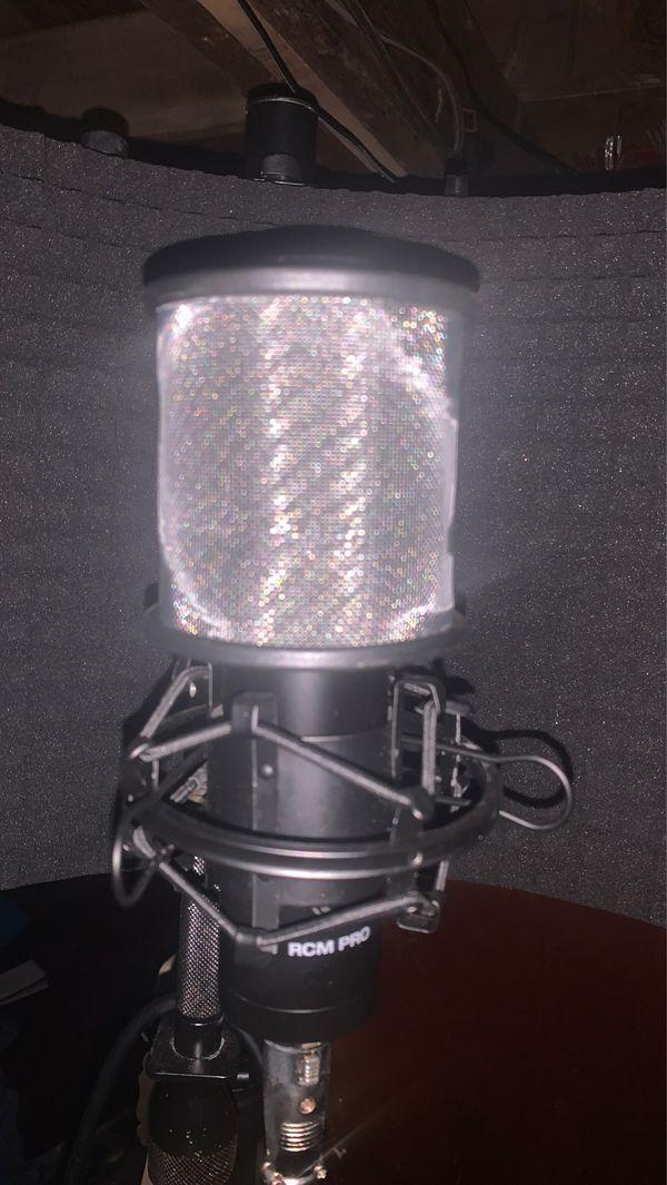 Rock Pro Audio Recording studio with Onyx-1•2 interface