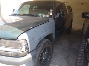 Chevy 1500 silverado extended cab 2002 for Sale in North Las Vegas, NV