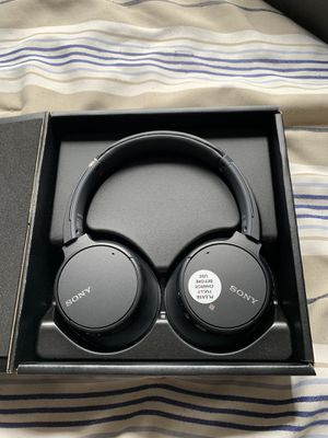 Sony Overhead WH-CH700N Wireless Noise-Canceling Headphones (Retail $199) for Sale in Pembroke Pines, FL
