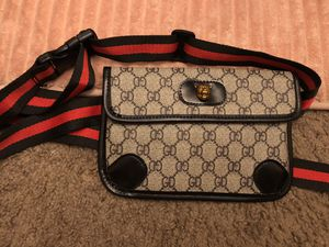 Waist belt bag for Sale in Las Vegas, NV