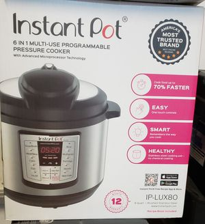 Instant Pot LUX80 8 Qt 6-in-1 Multi- Use Programmable for Sale in Coram, NY