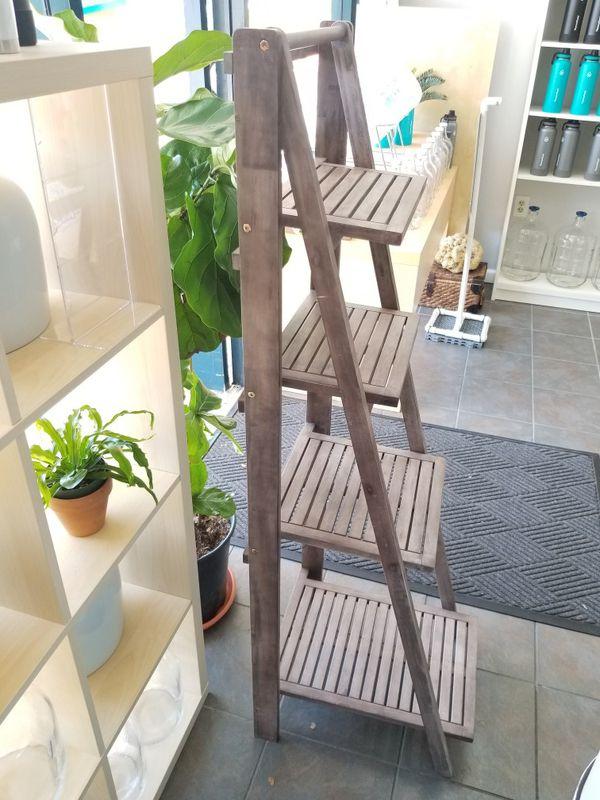 Cute rustic 4 shelves shelf ladder