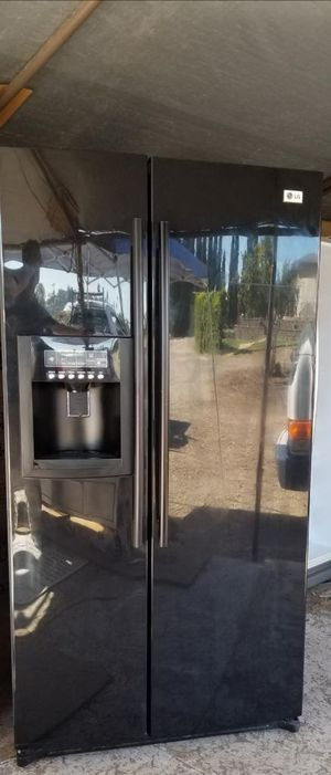 Very beautiful LG black side-by-side refrigerator 🚨 for Sale in Lakeside, CA