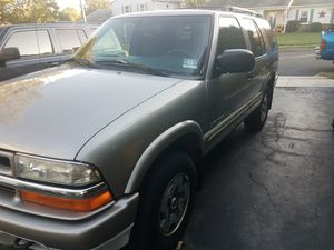 2004 Chevy Blazer 4.3L 4x4 for Sale in Trenton, NJ