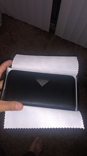 Prada wallet for Sale in Rancho Cordova, CA