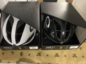 Brand new Oakley aro 5 cycling bike helmet for Sale in Diamond Bar, CA